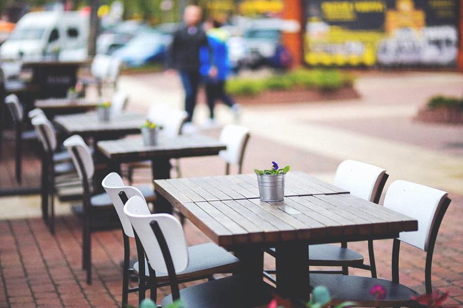 Comment agencer une terrasse de restaurant en période Covid ?